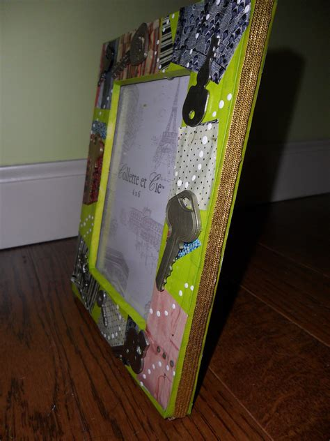 """""""Semi Homemade"""" Picture Frame · A Photo Holder · Art"""